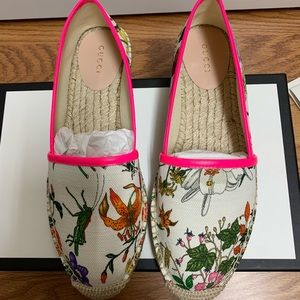 Gucci leather-trimmed floral print canvas shoes 39